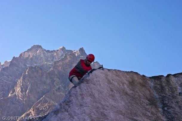 Ледник Чалаади: играем в альпинистов
