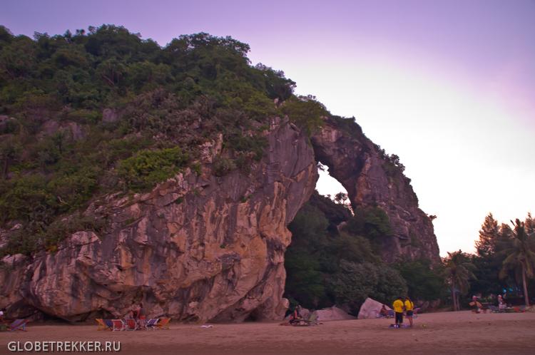 Пляж Као Калок и скала с дыркой