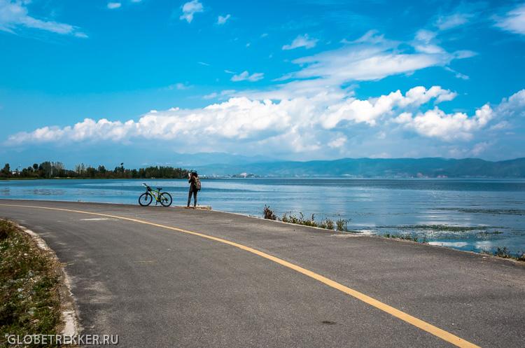 На байке вокруг озера Эрхай 洱海 4