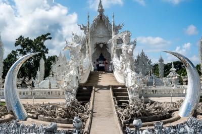 Белый Храм Wat Rong Khun в Чианг Рае - буддизм и современное искусство 27