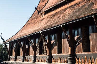 Чёрный Дом Baan Dam в Чианг Рае: кладбище домашних животных 26