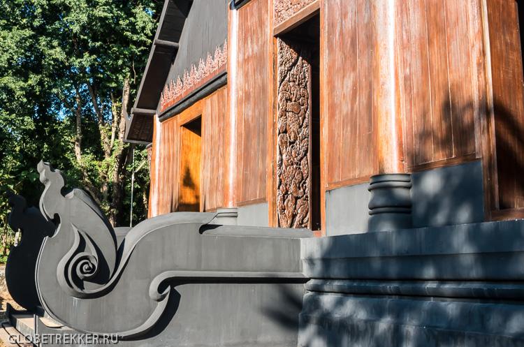 Чёрный Дом Baan Dam в Чианг Рае: кладбище домашних животных