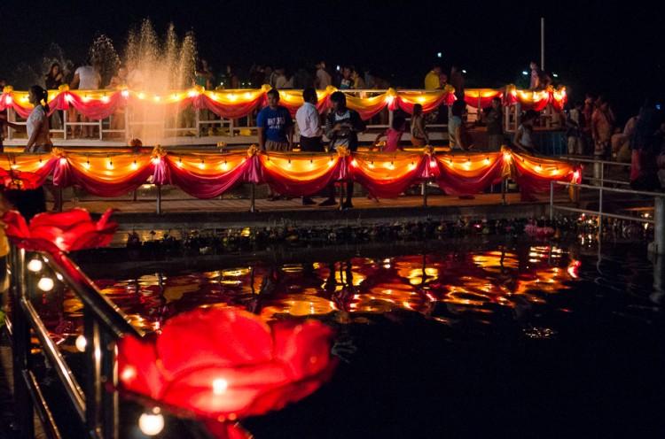 Лой Кратонг 2014 в Хуа Хине