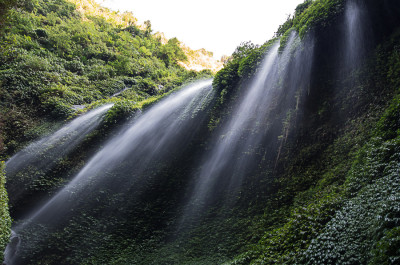 Водопады Мадакарипура в парке Бромо-Семеру 3