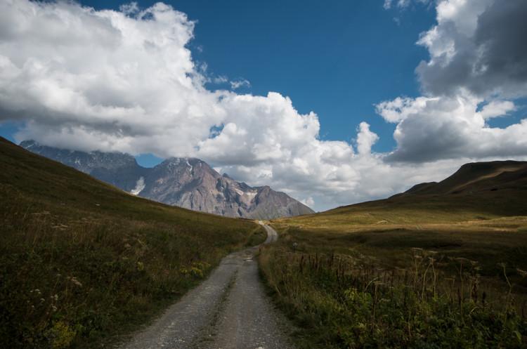 Ушгули   Лентехи: дорога, которой нет на карте