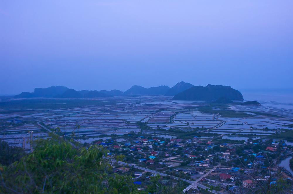 Национальный парк Сам Рой Йот в Хуа Хине